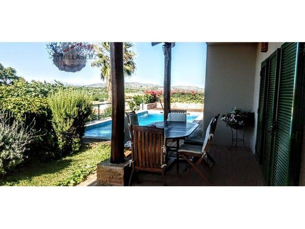 Moradia isolada V4 com piscina Algoz e Tunes