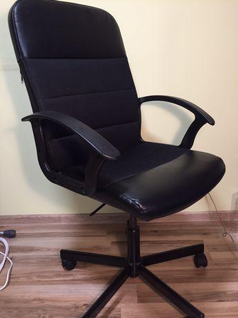 Krzeslo biurowe obrotowe Ikea Renberget