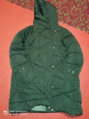 Продам зимову курточку