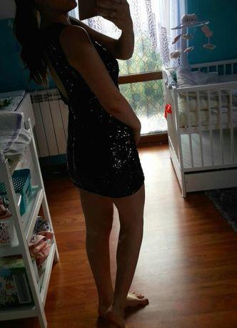 Sukienka cała w cekinach