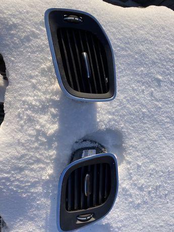 Kratki nawiewów lewe i prawe Volvo V40, XC40