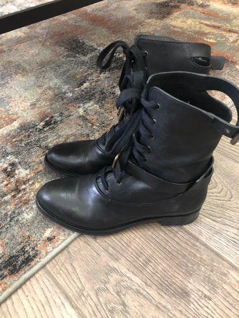 Очень стильные женские ботинки  Chloe 39р