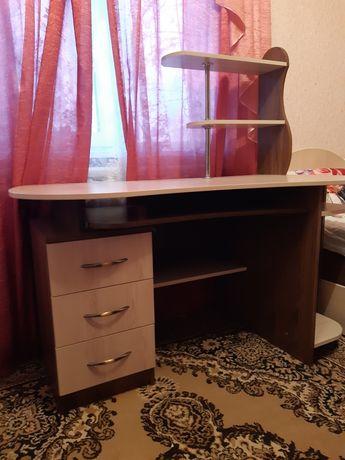 Компьютерный, письменный стол