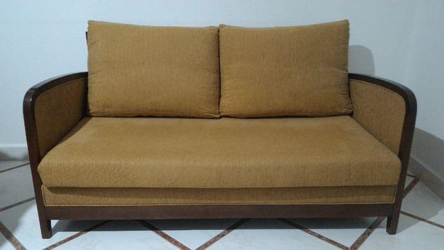 Sofá de 3 Lugares e Puff/Banco