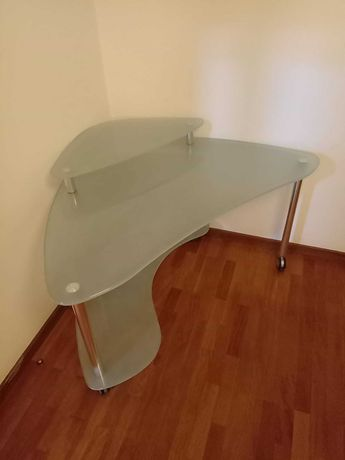 Mesa de apoio de canto em vidro 0,6 x 0,97 x 0,87