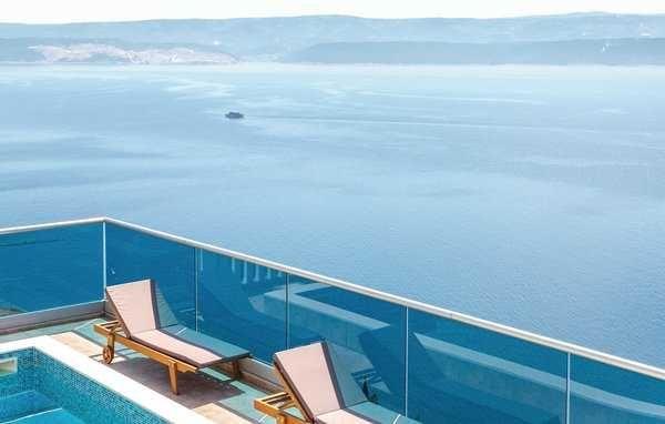 Lato 2022, Chorwacja, Omis-Celina, dom z basenem dla 12 osób