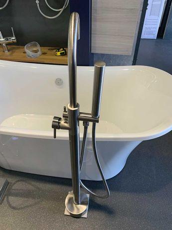 Кран для ванни з підлоги