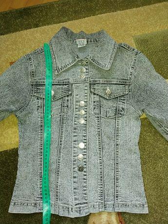 Куртка 11-12 років