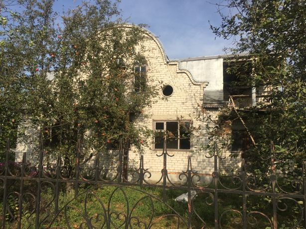 продаю будинок з земельною ділянкою в Чорнобаєвському районі