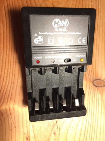 Зарядное устройство H+H Akku-Ladegerät BL 505 GS Model: MW 8168 GS