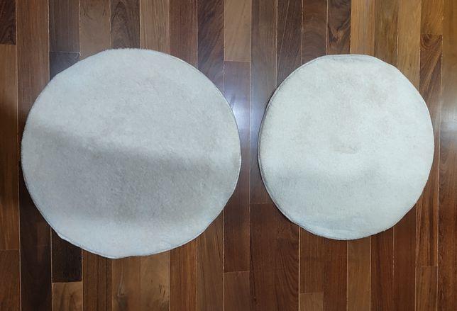 Dois tapetes +- 70 cm de diâmetro