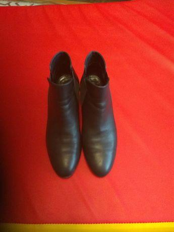 Ботиночки женские кожаные Италия 40 размер