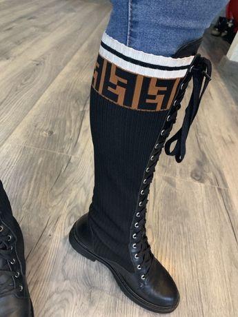 Кожаные сапоги Fendi 38р,кофта Fendi в подарок
