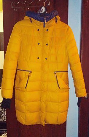 Пуховик курточка 44 размер жёлтая