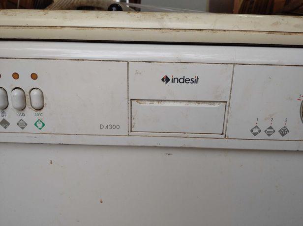 Посудомоечная машина Indesit d 4300 + фильтр-смягчитель воды бу.