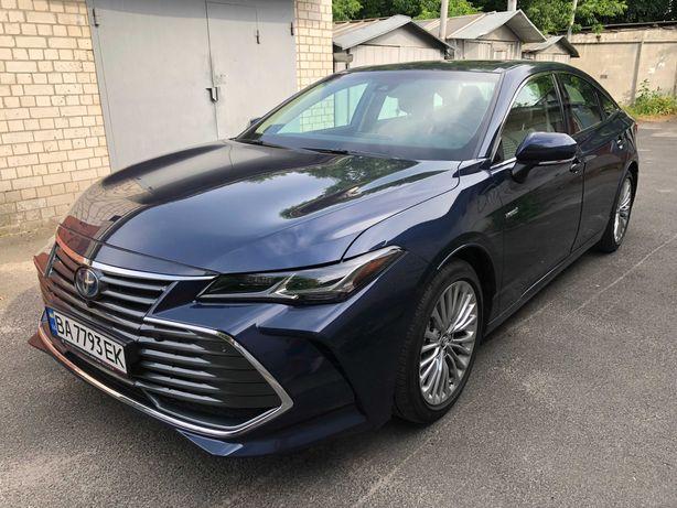 Toyota Avalon Limited hybrid 2020
