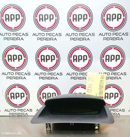 Display rádio Renault Clio 3 referência 8200348139RA.