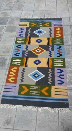 Авторські килими ручної роботи