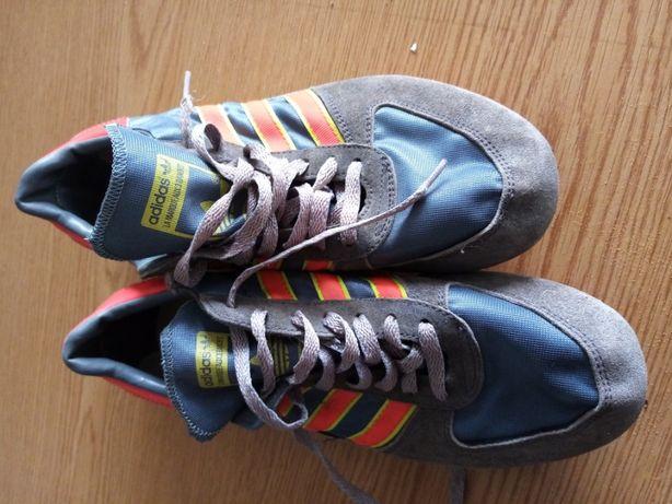 sapatilhas de pista vintage