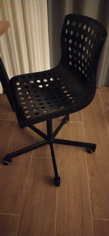 Cadeira giratória IKEA (preta)