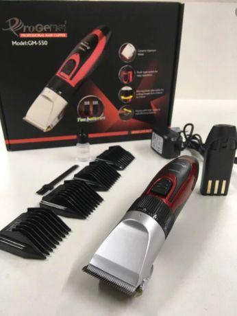 Машинка для стрижки волос и бороды ProGemei GM-550 красный