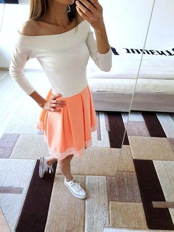 Sukienka Rozkloszowana Białą Neonowa Brzoskwiniowa O LA VOGA!! Roz S M