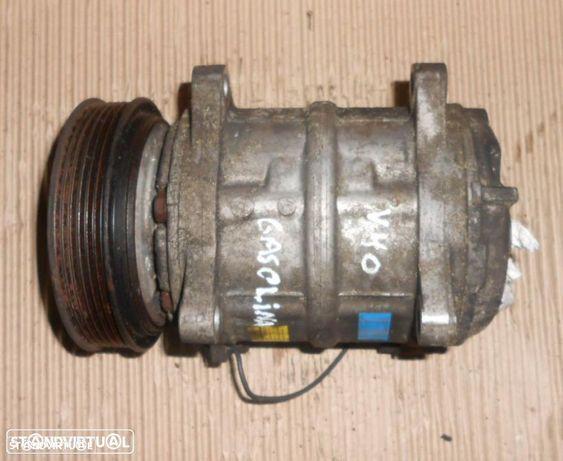 Compressor ac Volvo V40 1.6 gasolina (1999) 8708581 SAEJ639
