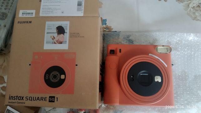 Фотокамера моментальной печати Fujifilm INSTAX SQ1 (Teracotta Orange)