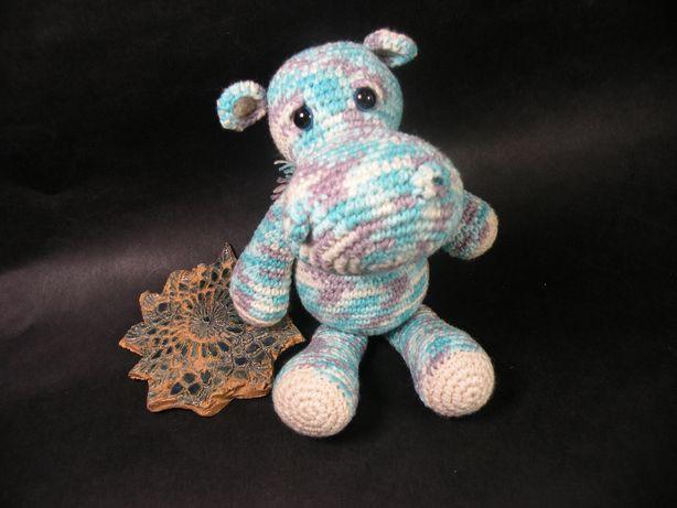 Szydełkowy hipopotam ok. 15 cm ręcznie wykonany, rękodzieło
