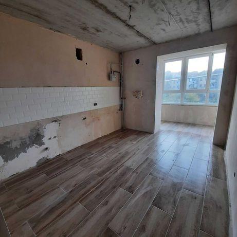Однокомнатная с ремонтом в сданном новом доме Фурманова