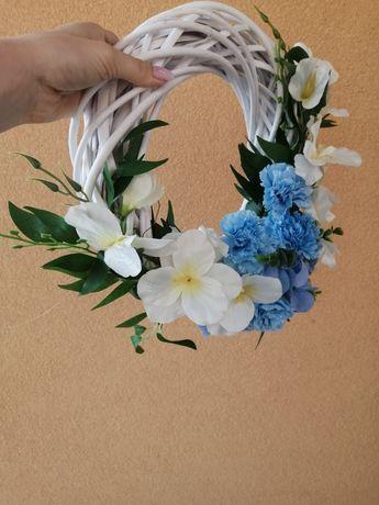 Wianki na bramę weselna