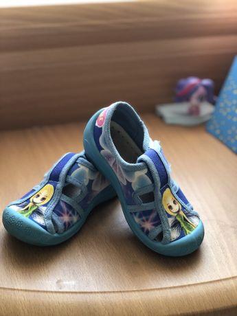 Тапочки для садика, туфли