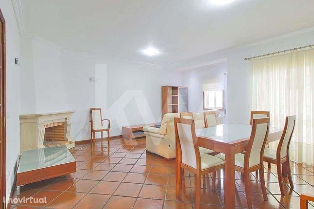 Apartamento T3 na zona do Glicínias, Aradas - Aveiro