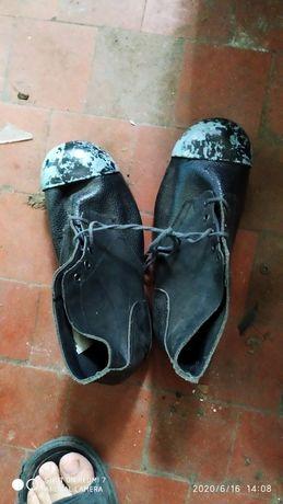 Ботинки керзовые с железным носком 100 пара,есть 20 пар размер на фото