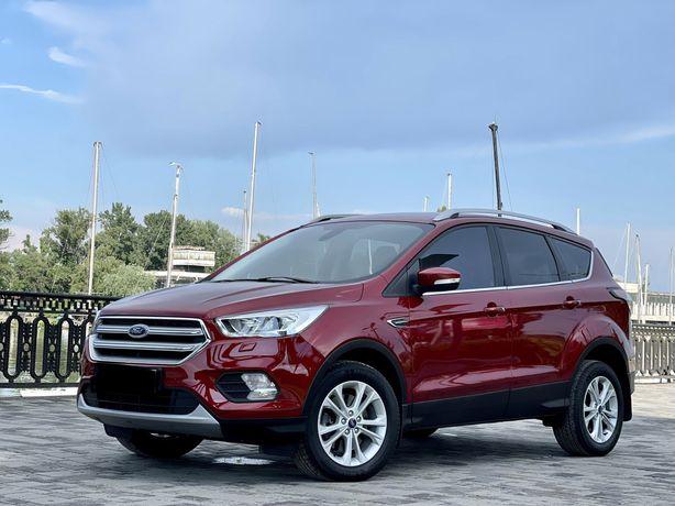 Продам официпльный  Ford Kuga Titanium 2.0 Tdi 2019 года НА ГАРАНТИИ