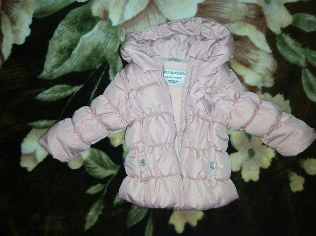 Куртка демисезонная ZARA для девочки,курточка с капюшоном на 68см(3-6