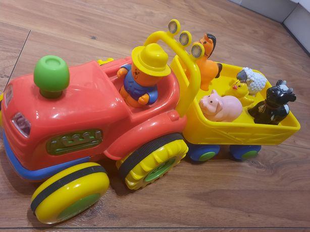 Traktor ze  zwierzętami