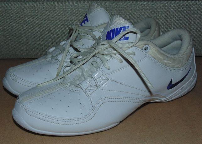 Продам кроссовки NIKE 38 размера, стелька 25см Оригинал