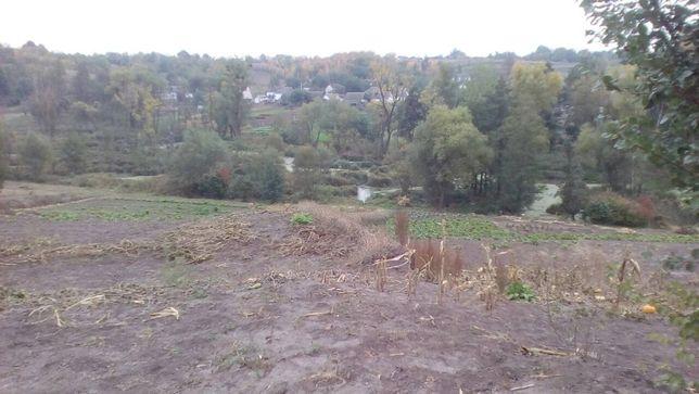 Продам земельну ділянку в селі Бикова Гребля Київської обл.