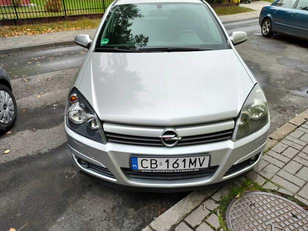 Opel Astra samochody osobowe