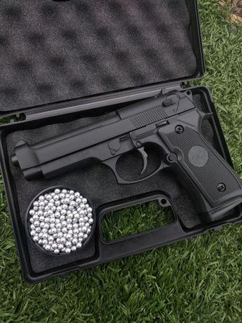 Страйкбольний пистолет, Берета