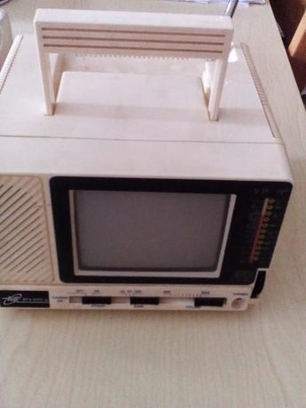 Televisão a Pilhas.
