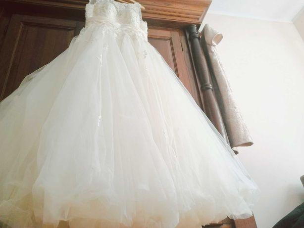 Suknia ślubna 42, 48