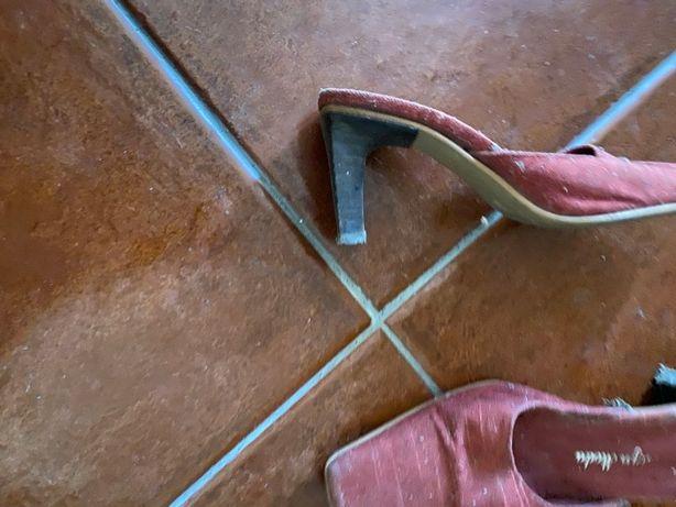 mules vermelhas 35