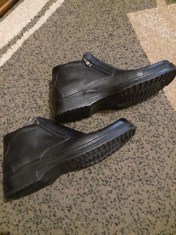 Продам кожаные мужские зимние ботинки