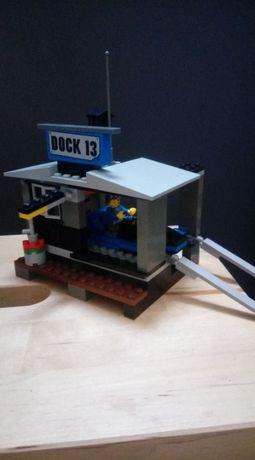 Poduszkowiec kryjówka łódź LEGO World City 7045
