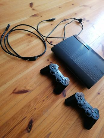 Playstation 3 500gb 2 pady 8 gier