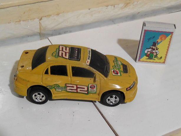машинка детская желтая гоночная маленькая