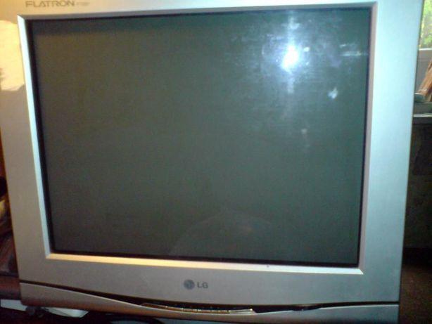 Монитор LG F700P