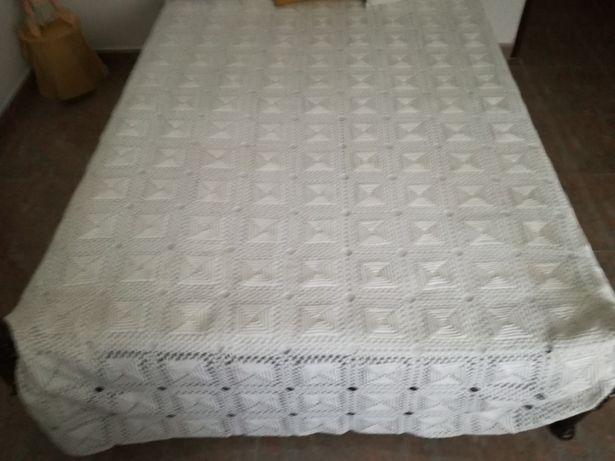 Colcha em renda para cama